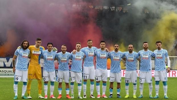 Os torcedores do SPAL costumam fazer uma bela festa no Stadio Paolo Mazza