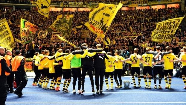 26792acef2786 Borussia Dortmund Comemora Torcida Copa da Alemanha 20 04 2016