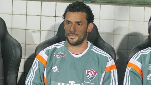 Fred ficou de 'auxiliar técnico' no banco do Fluminense