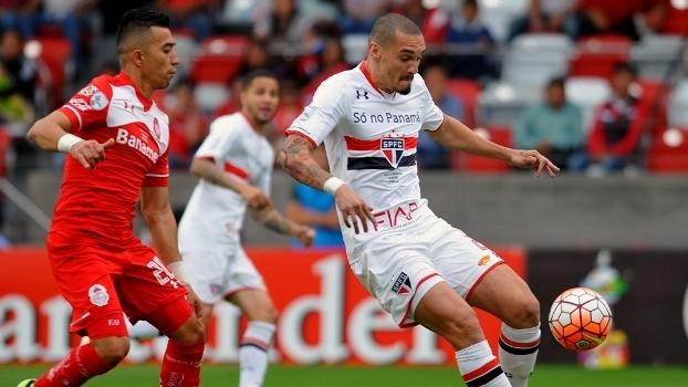 São Paulo perde para o Toluca, mas não sofre sustos e avança às quartas da Libertadores