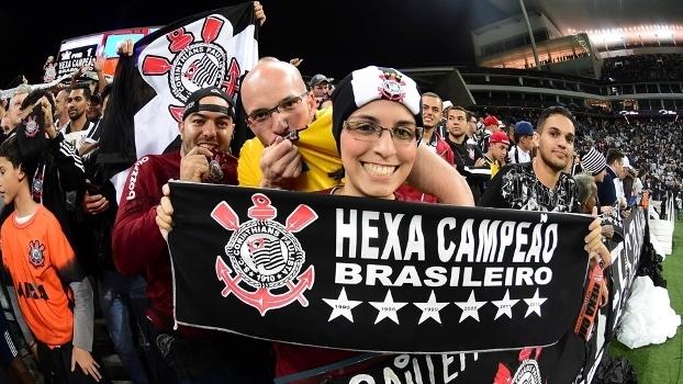 ad565e4964 Torcedores do Corinthians festejando o hexacampeonato na Arena em Itaquera