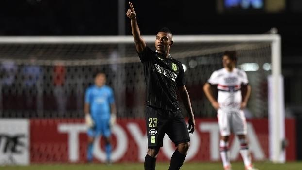 Borja fez os dois gols da vitória do Atlético Nacional-COL
