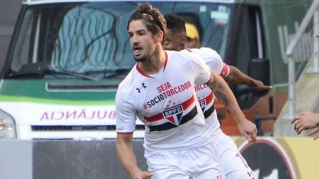 Alexandre Pato marcou o primeiro gol do São Paulo