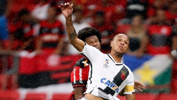 Luis Fabiano foi expulso no clássico contra o Flamengo, em Brasília