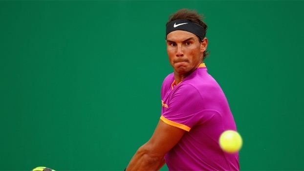 Rafael Nadal diz que não ficou surpreso por Federer desistir de Roland Garros