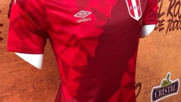 a0d6f4465b Peru lança bela camisa 3 para a Copa do Mundo