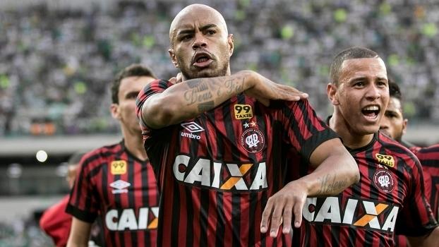 Atlético-PR x Ponte Preta 2016
