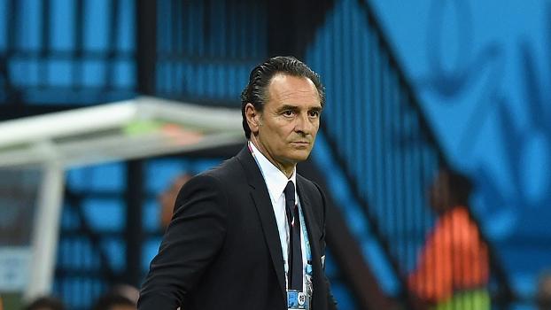 Prandelli orienta jogadores da Itália no duelo contra a Inglaterra 71c2a1e2973c4
