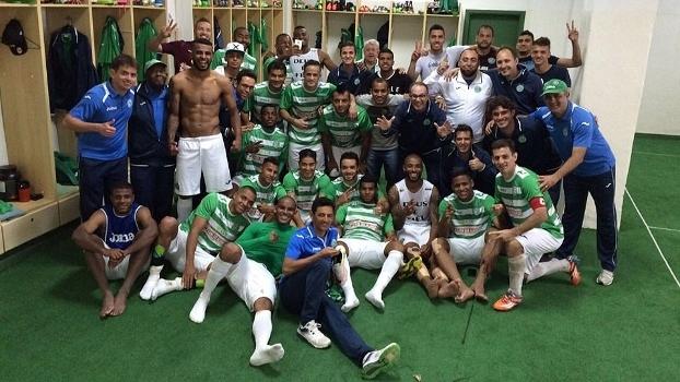 Jogadores do Guarani comemoram após vitória sobre o Ypiranga-RS b1309fc10fa0a