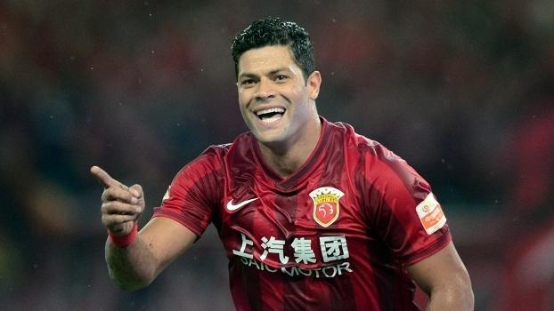 Hulk foi um dos brasileiros contratados a peso de ouro pelo futebol chinês