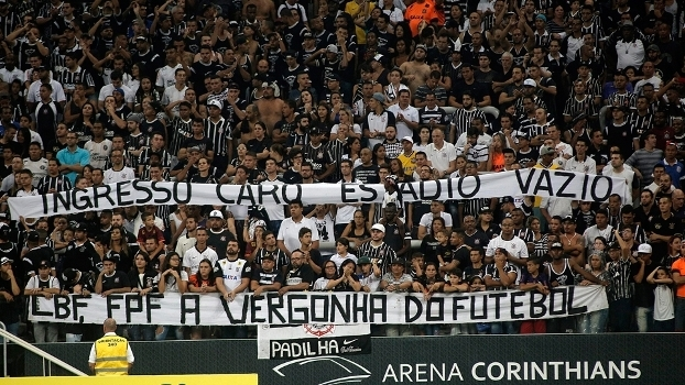 Torcedores do Corinthians protestaram no último sábado 8364755c929fa