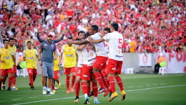Goiás 0 x 2 Internacional