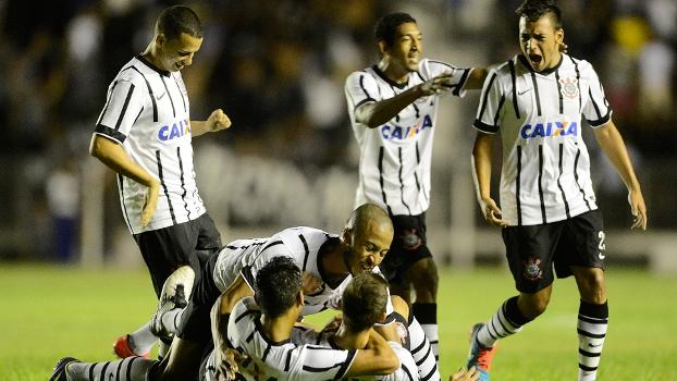 Corinthians vence o Guarani, avança e fica perto das quartas da