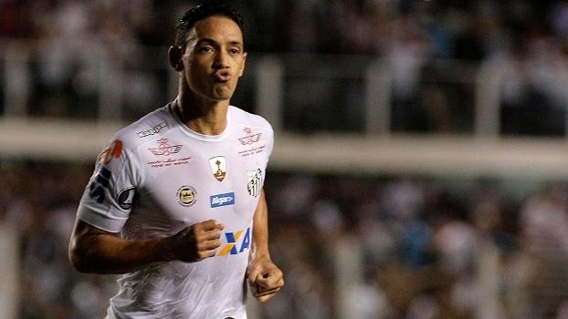 Ricardo Oliveira comemora gol do Santos contra o Strongest, na Vila Belmiro