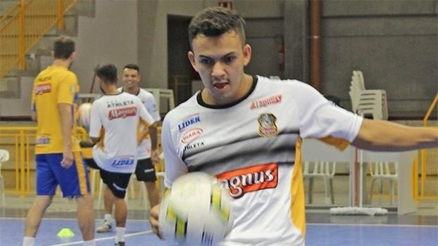 Estreante na seleção de futsal, Rocha atua ao lado de Falcão no Magnus/Sorocaba
