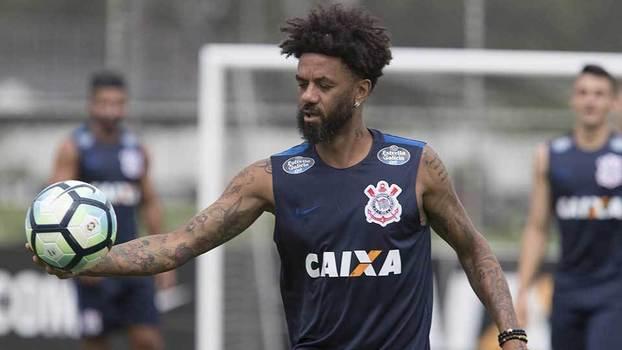 Cristian é liberado pelo Corinthians para acertar com Grêmio