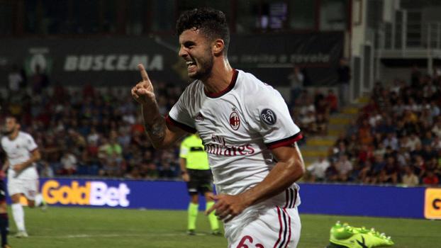 Cutrone comemora primeiro gol no Italiano