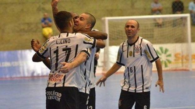 Corinthians estreia na Liga Futsal com goleada sobre o Tubarão ... 708326fd317d3