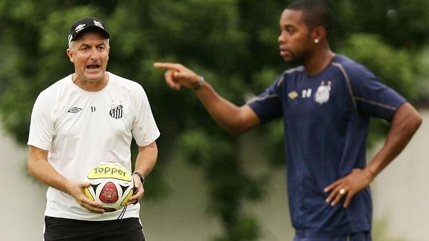 Dorival pede pressa e fim de futevôlei para Robinho jogar no Santos ... a9eff51b05711