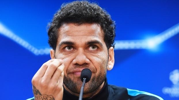 O Barcelona sofre para encontrar substituto para Daniel Alves