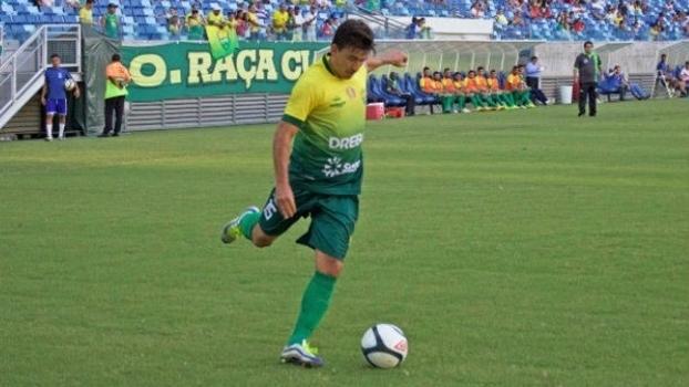 Rone Dias atualmente defende as cores do Cuiabá