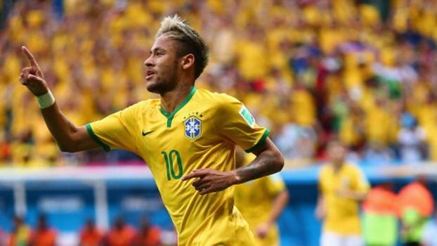 0077ad7957 Apito coloca Brasil em 1º e time segue com a tática do Santos de Muricy   4-2-3-bola no Neymar