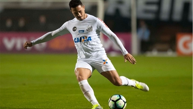 Jean Mota tem atuado na lateral esquerda do Santos