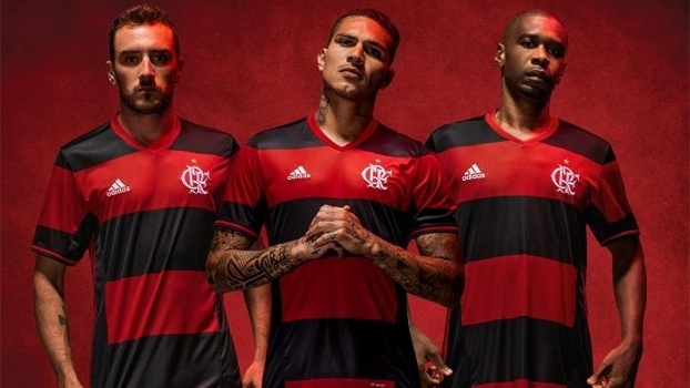 00ae2b2a262f1 Flamengo apresentou novos uniformes para a temporada 2016
