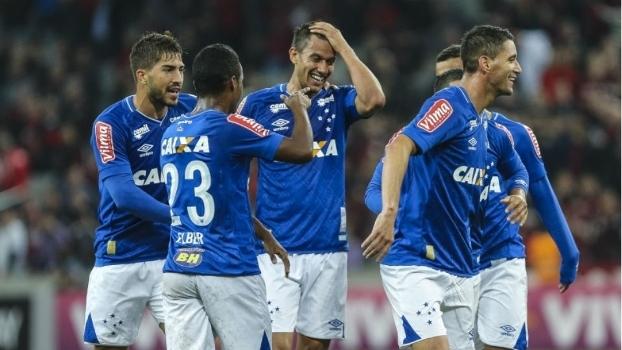 Mano surpreende em escalação do Cruzeiro para jogo contra Fluminense; veja formação