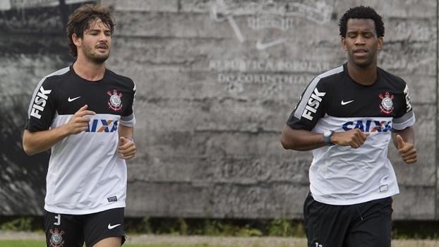 Alexandre Pato e Gil 234ba18e0c78e