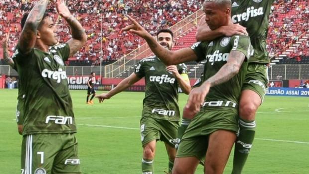 00e1fd822d Vitória supera 70 gols sofridos em 2018 e Zé Ricardo tem média quase tão  ruim quanto a do Vasco