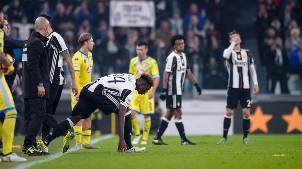 O momento em que Moise Kean entra em campo pela primeira vez no Campeonato Italiano