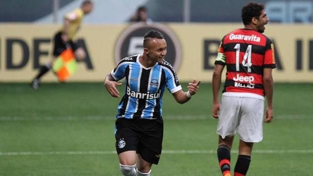 Everton é considerado uma das grandes promessas do Grêmio para 2016