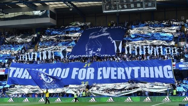 Torcedores do Chelsea prepararam bela homenagem a Terry