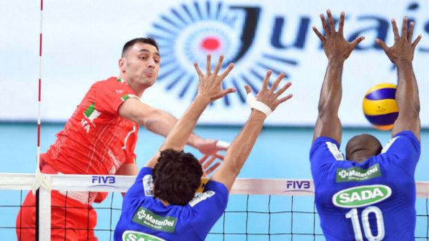 Cruzeiro perdeu para o time italiano por 3 sets a 0