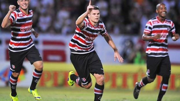 Alemão Comemora Gol Santa Cruz Central Campeonato Pernambucano 18/04/2015