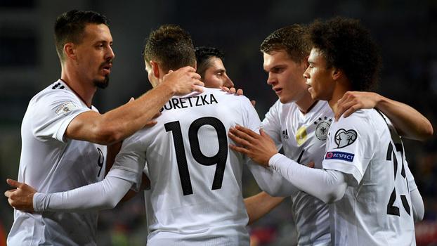 Assista ao gol de calcanhar de Goretzka — Alemanha x Azerbaijão