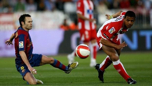 Felipe Melo e Iniesta se enfrentam em jogo pela Liga espanhola