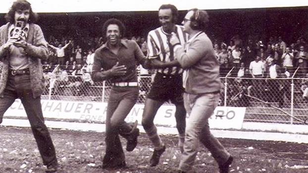 Ze Roberto Comemora Gol Coritiba