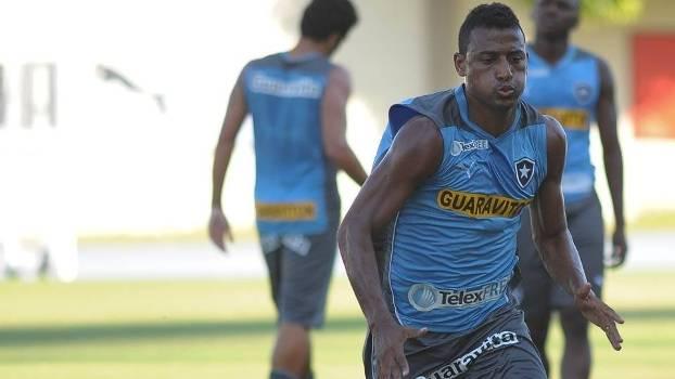 Atacante Elias, que passou pelo Botafogo, será reforço para Argel Fucks