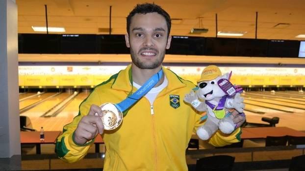 O brasileiro Marcelo Suartz faturou a medalha de ouro no boliche no Pan-2015