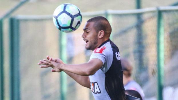 Atlético confirma lesões de Clayton e Uilson