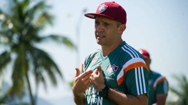 O técnico Eduardo Baptista comandou seu primeiro treino no Flu na sexta