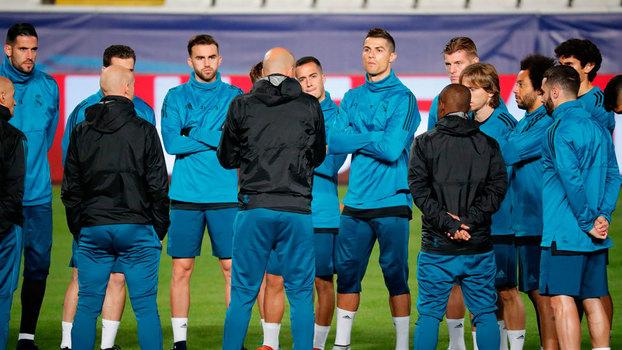Tottenham Hotspur vence Dortmund e garante liderança; Real Madrid goleia Apoel
