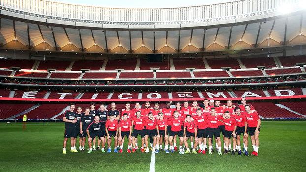 Jogadores do Atlético durante o primeiro treino do elenco no Wanda Metropolitano