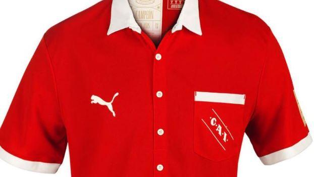 6819c5297fa90 Puma inova e lança camisa retrô com botões e bolso em homenagem aos ...