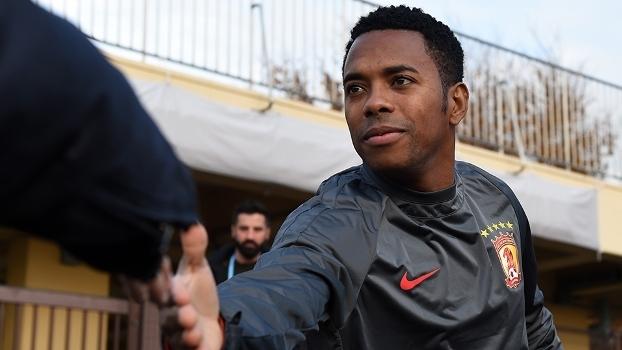 Robinho, em treino ainda pelo Guangzhou Evergrande, no final de 2015