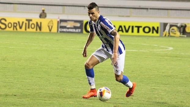 Paysandu, de João Lucas, ficará mais um ano na Série B do Campeonato Brasileiro