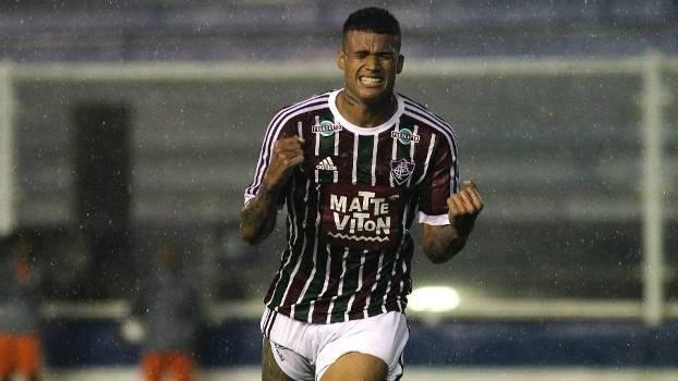 Kenedy interessa à gigantes europeus e pode deixar o Fluminense 1f6878e5ec7ec