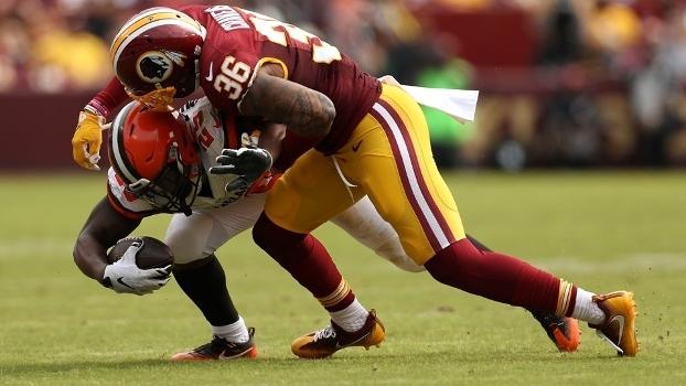 Cravens (36) sofreu a lesão durante jogo contra os Browns